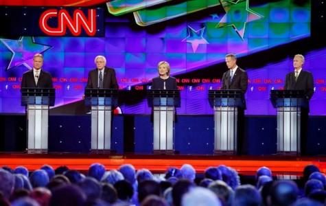 Clinton, Sanders dominate first Democratic presidential debate