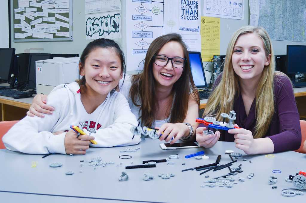 Students work on a project in Dr. Michael Voichek's Principles of Engineering course at North Penn High School.