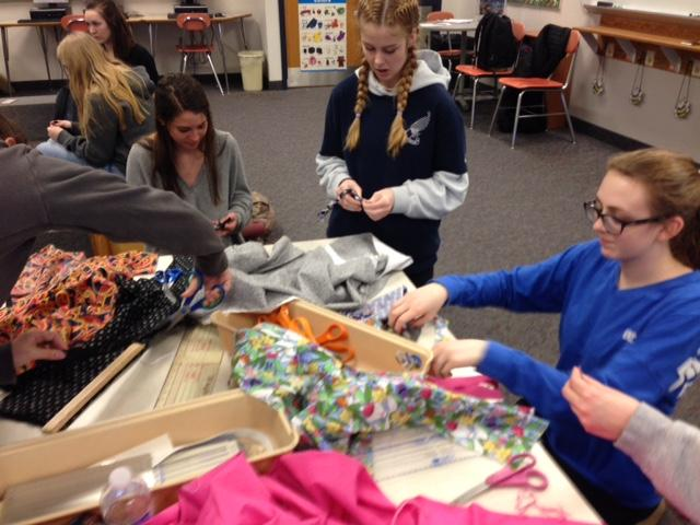 Several+students+from+the+FCCLA+gathered+after+school+on+Tuesday+to+make+bracelets+for+children+at+St.+Jude+Children%E2%80%99s+Research+Hospital.+