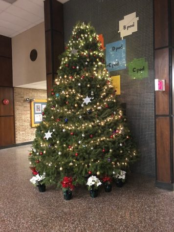SGA holiday tradition continues in NPHS lobby