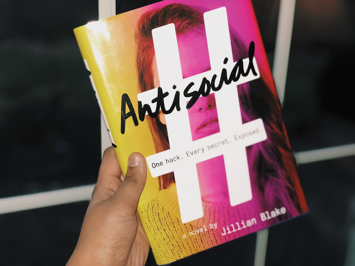 Although the book Antisocial received many positive reviews, features and editorials editor Nina Raman found the book had many imperfections.