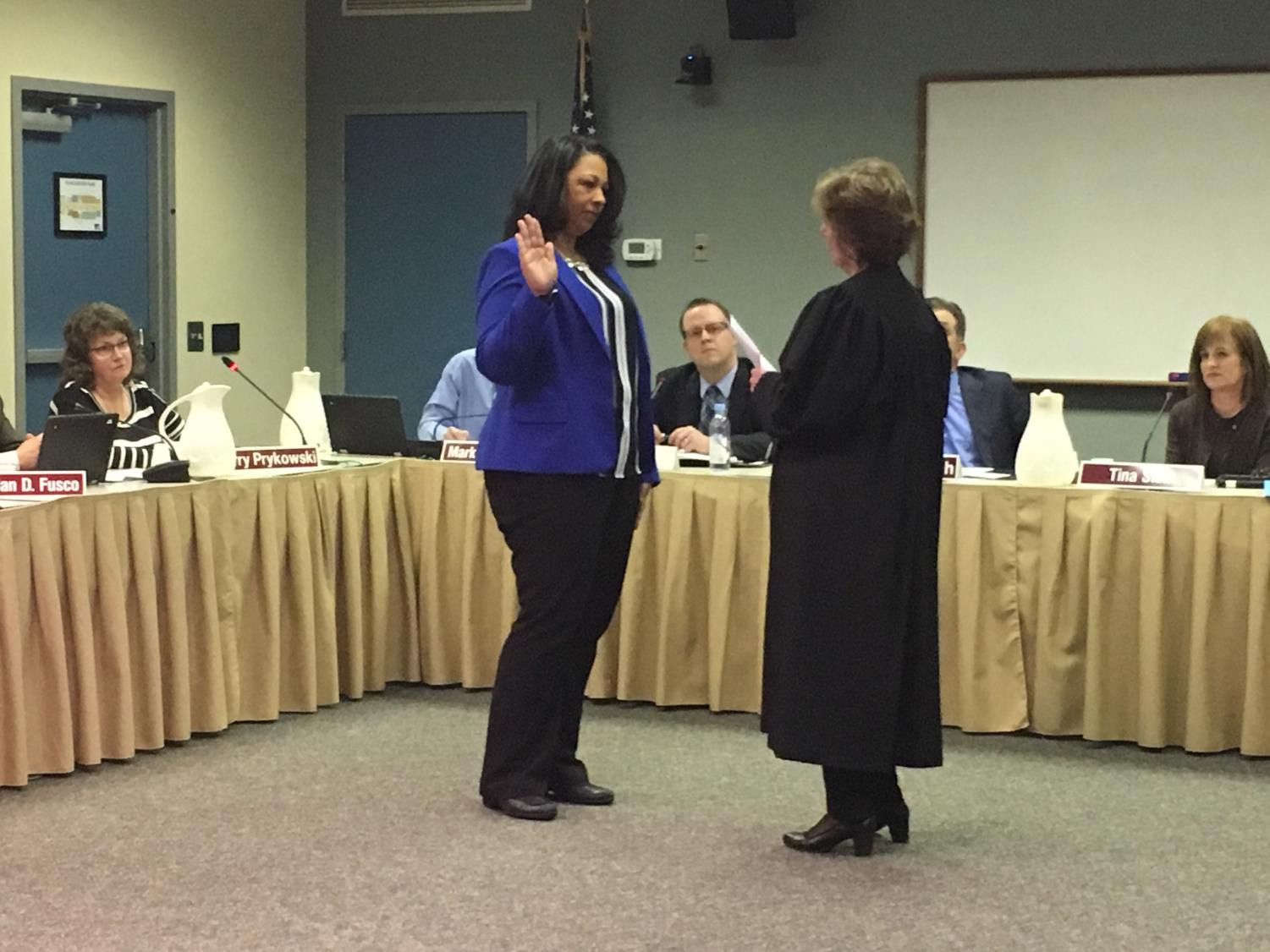 School Board appoints Elisha Gee to fill spot of John Schilling
