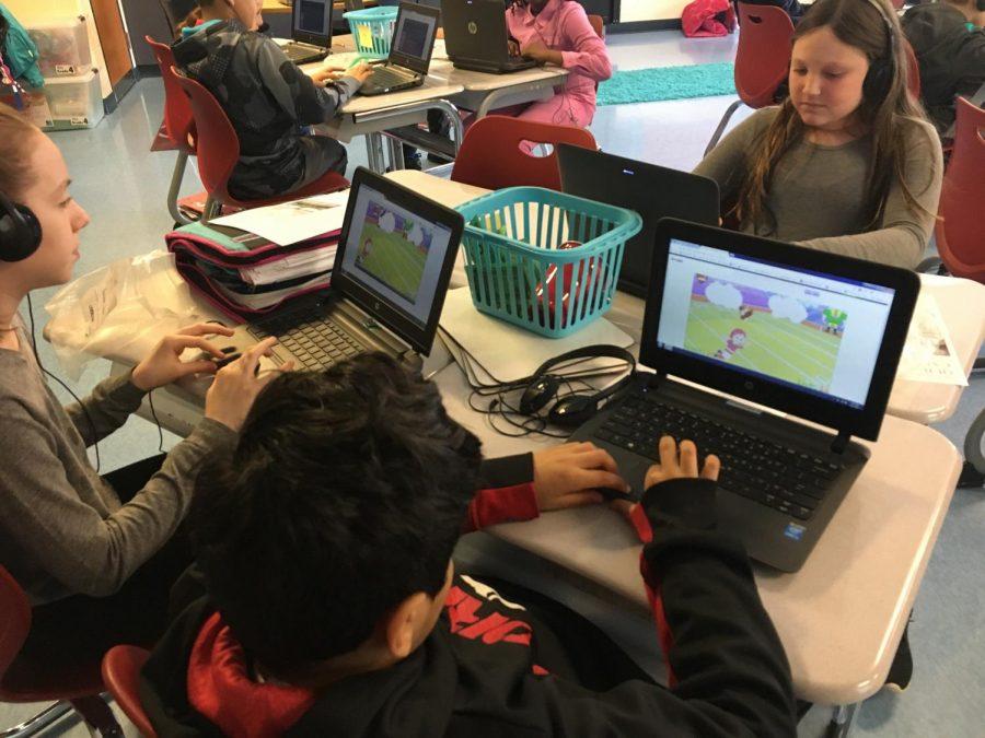 Students at A.M. Kulp using Desais app