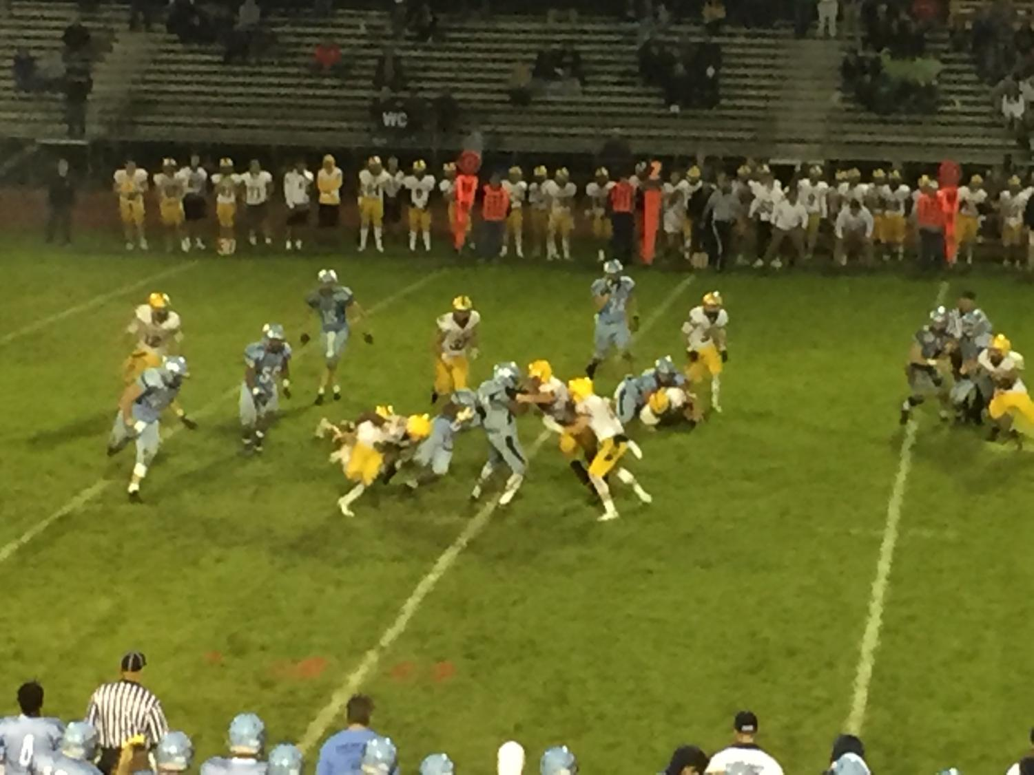 Shamar Edwards carries the ball for North Penn in their win over the CB West Bucks