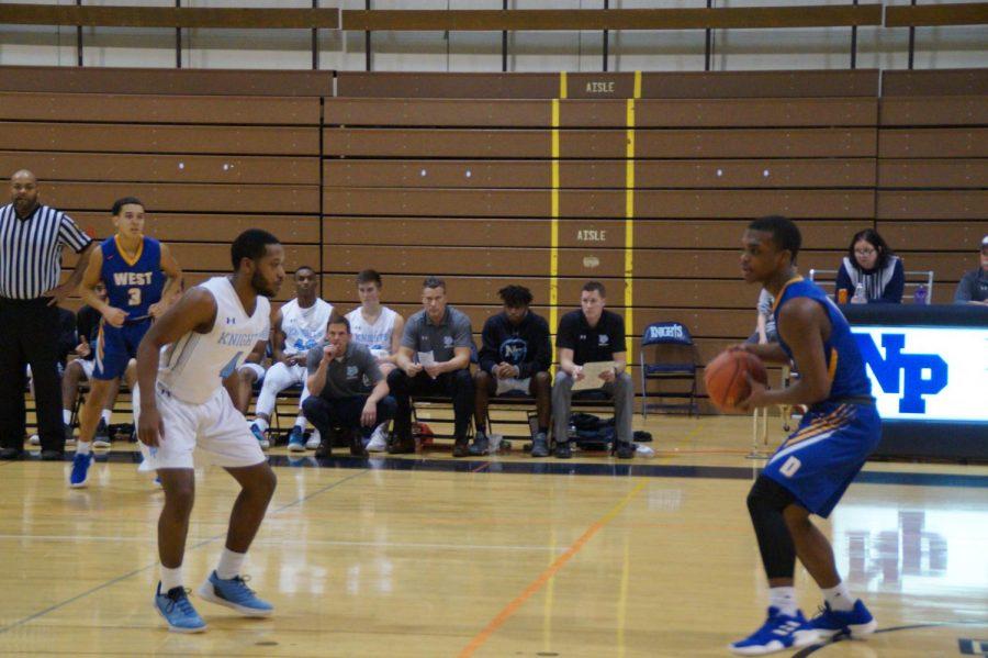 Senior+Tali+McIver+defends+against+Naseem+Roberson.