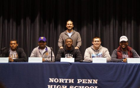 5 Knights from the gridiron sign National Letters of Intent