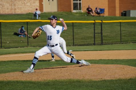 Valenti's gem leads Knights to win
