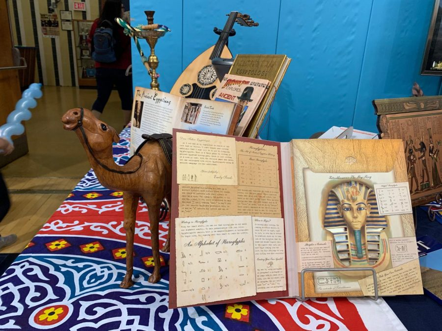 Books+about+Egypt+explaining+the+culture+and+historical+background+at+the+International+Spring+Festival.%0A