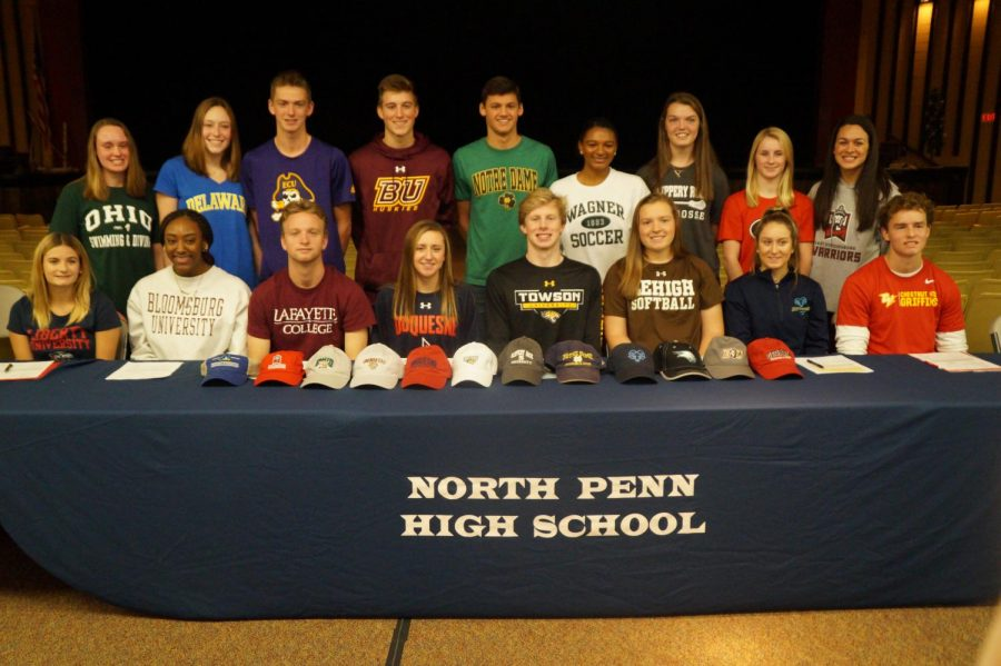 The+17+athletes+to+sign+letters+of+intent.