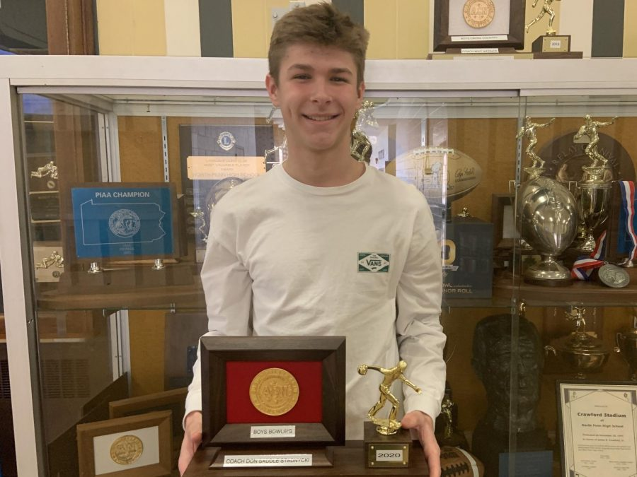 SOL+Champ%3A+Lucas+Francis+holds+the+Conference+championship+trophy.++He+was+also+the+SOL+champion+this+year.