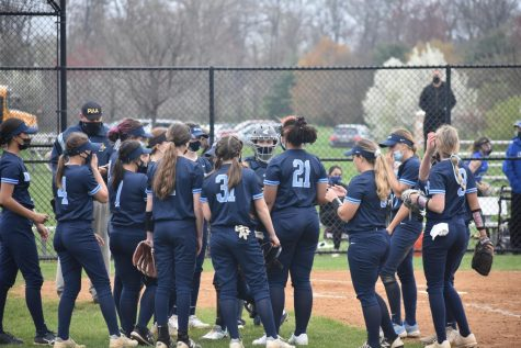 Lady Knights cruise past Titans, move to 5-0