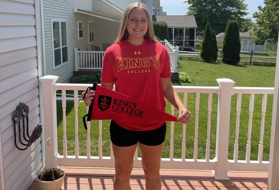 Senior Spotlight: Alli Lindsay